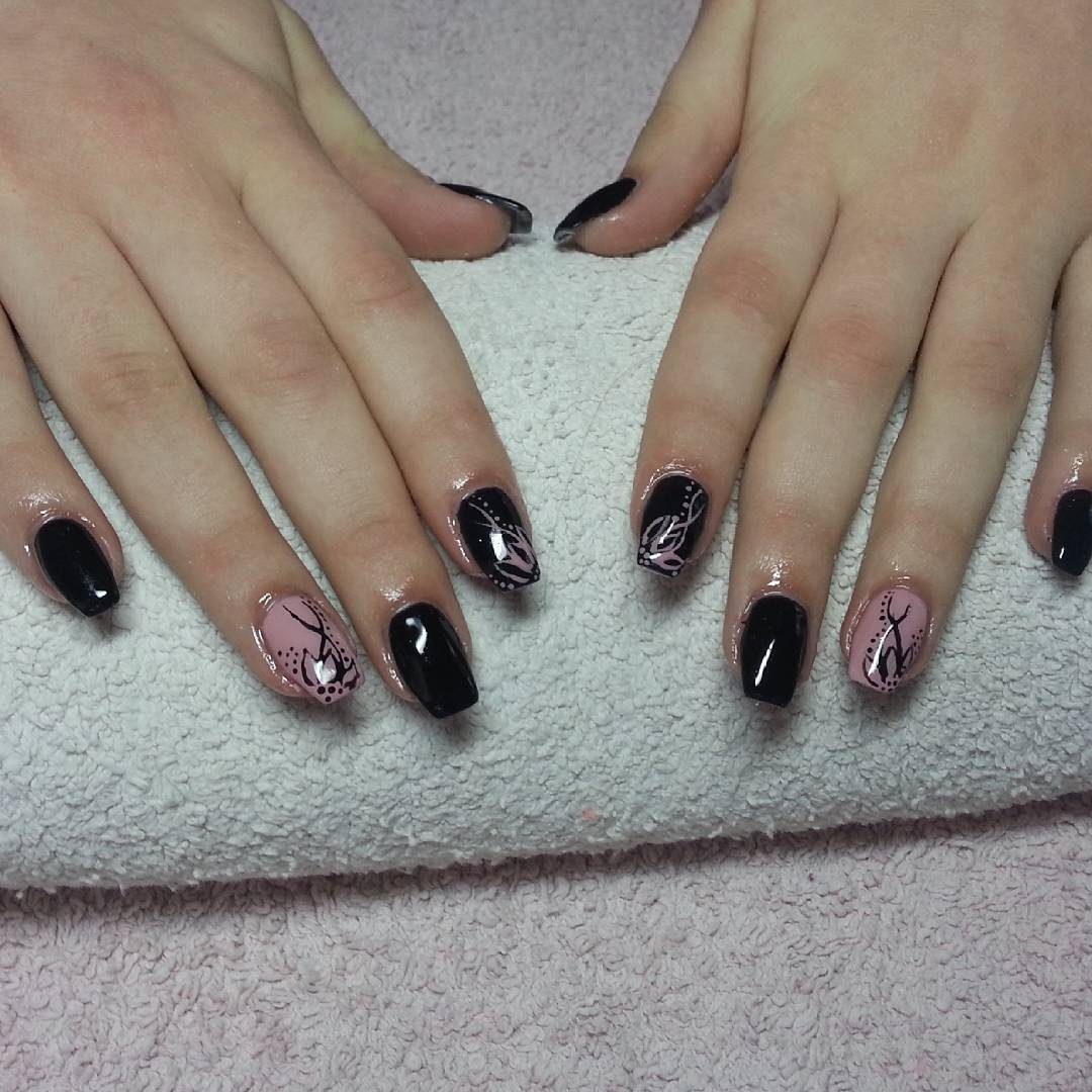 Black Gel Summer Nail Arts