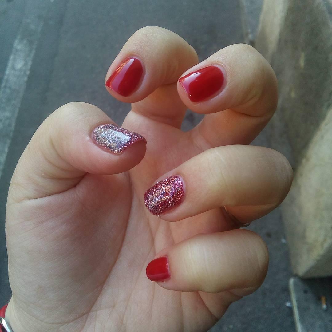Pretty Red Nail Art Design Pattern