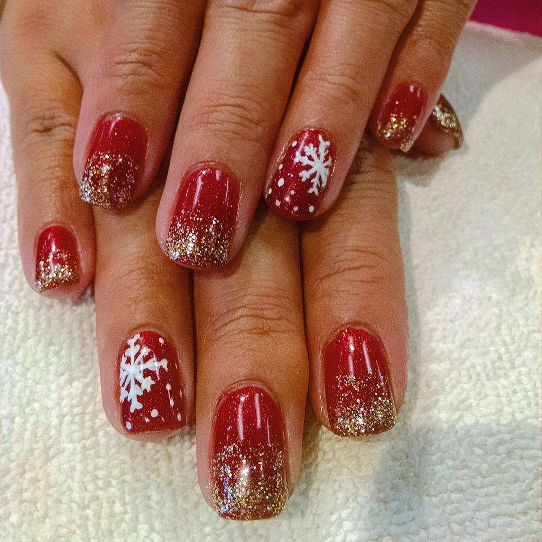 Awesome Design Silver Glitter Nail Design