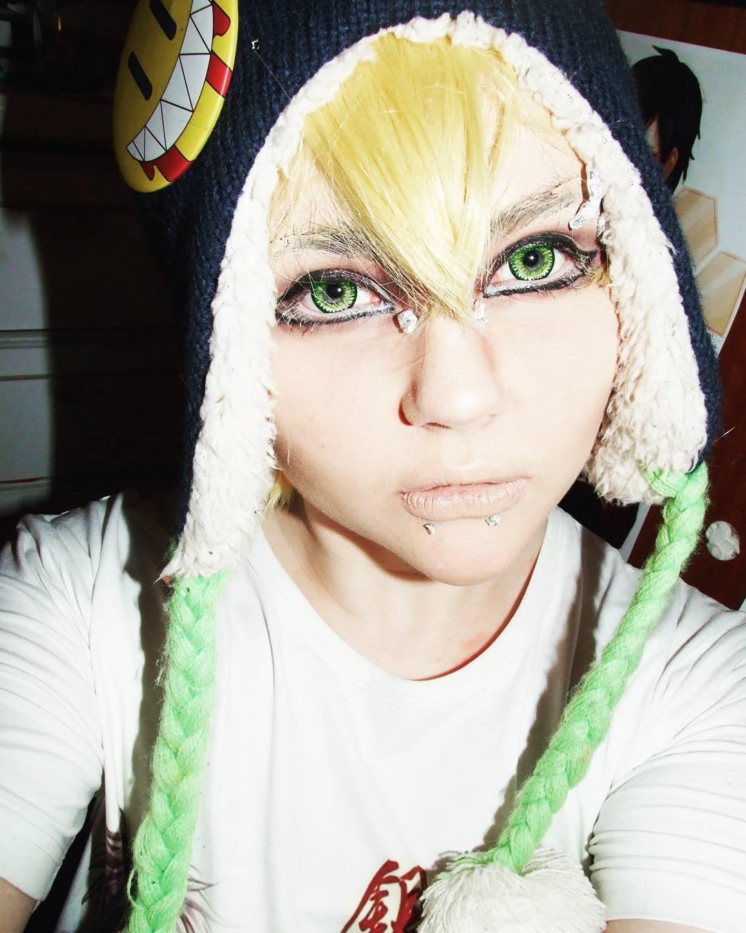 grren anime eye