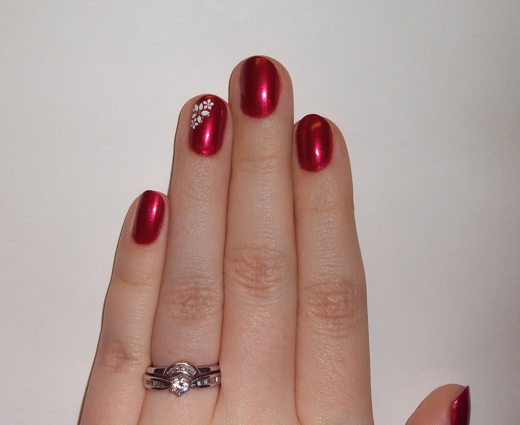 Easy Summer Red Nail Art.