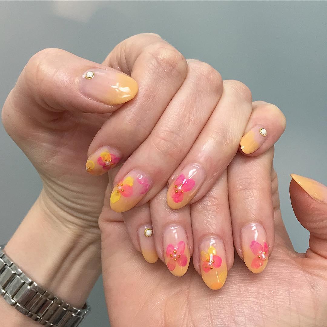 Pretty Acrylic Finger Nail Designs