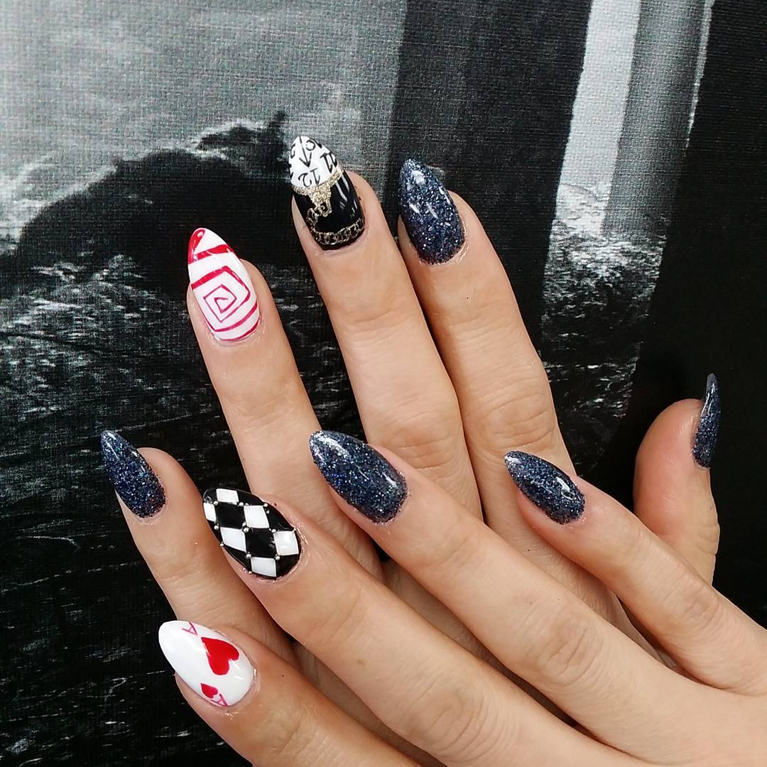 Different Acryli Nail Paint Arts For Fall