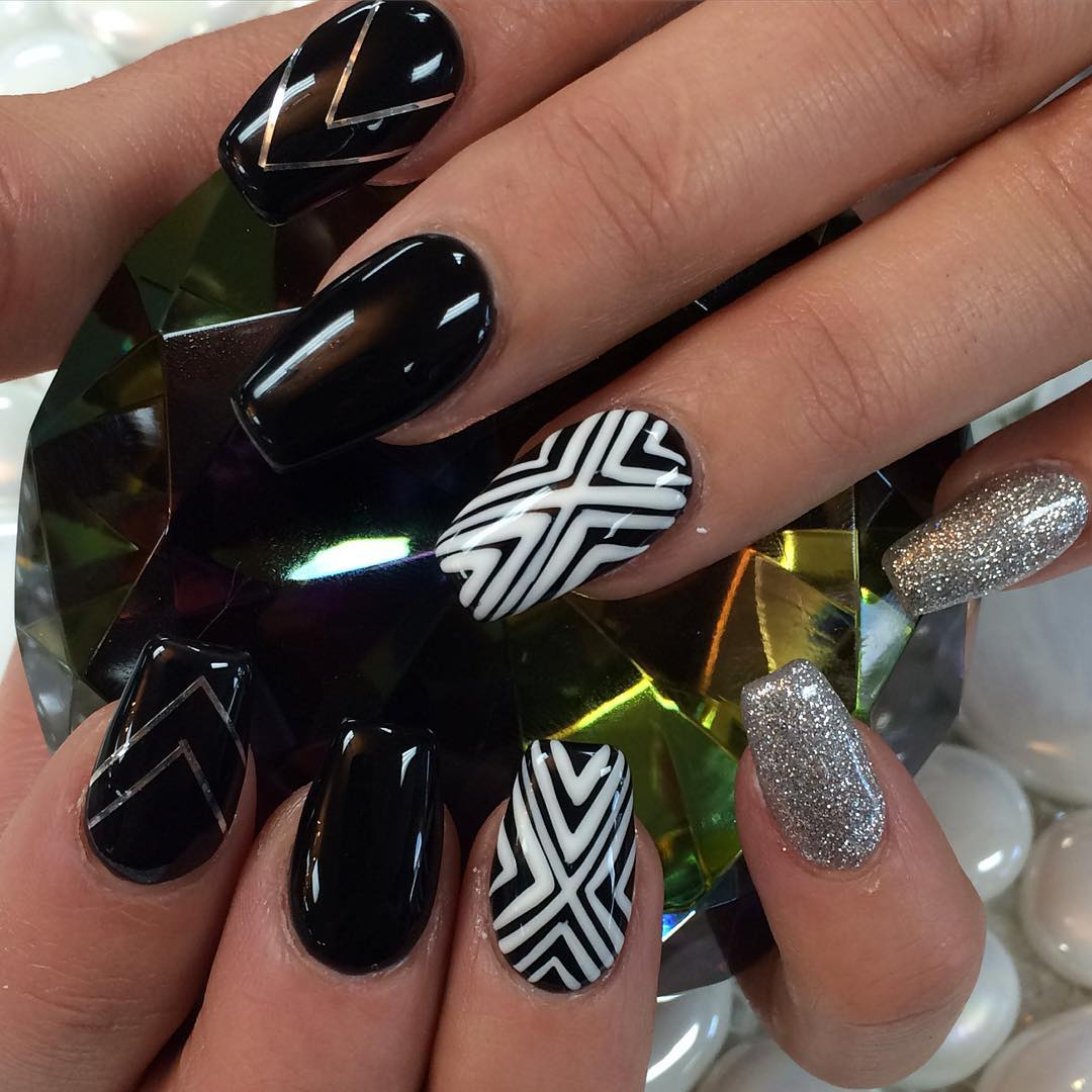 flawless black and white summer nails