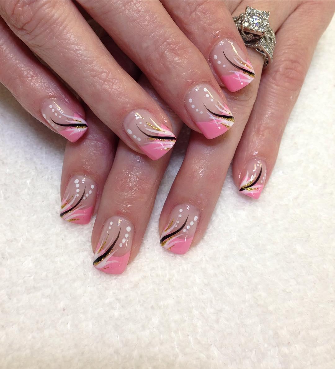 summer pink lines nail art