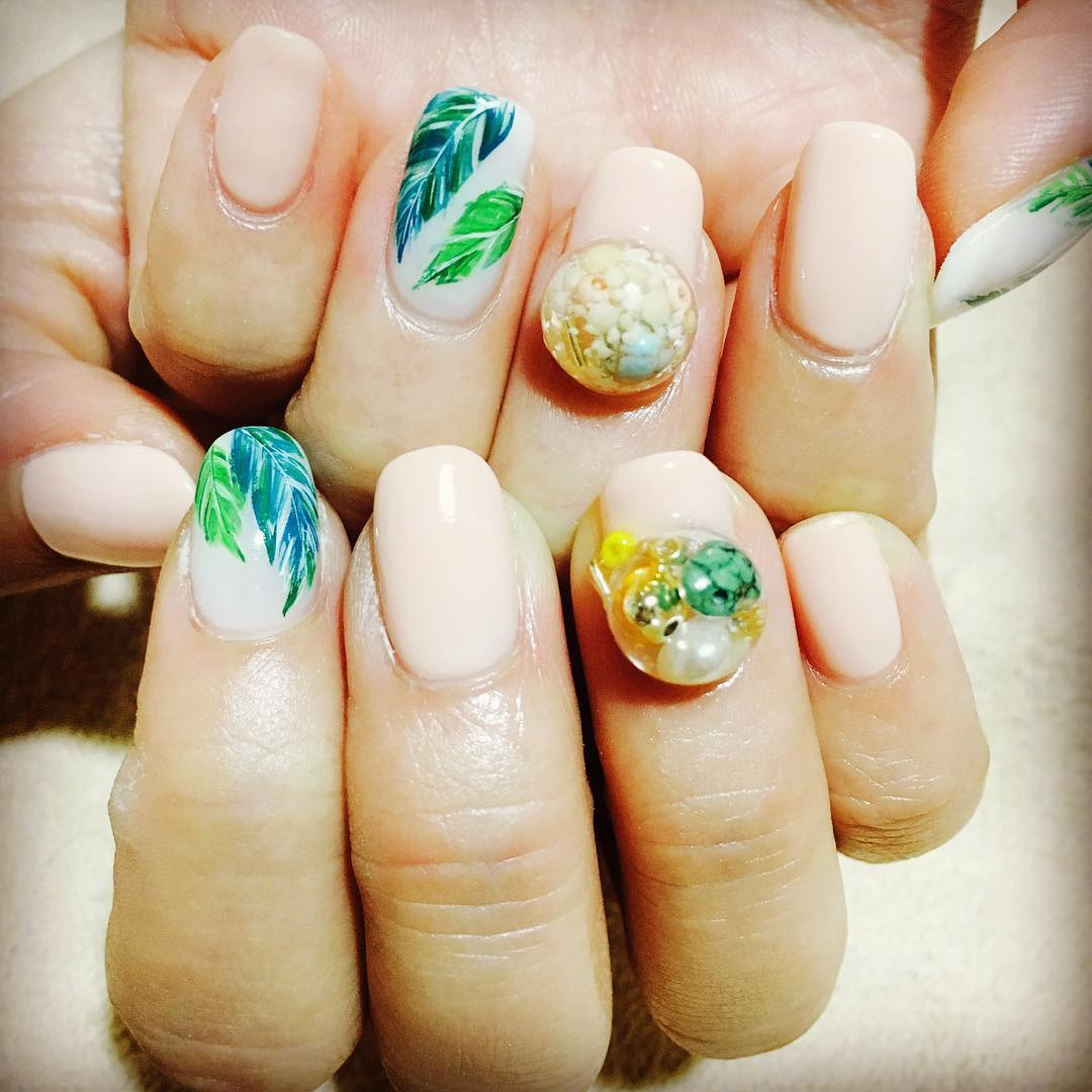 Simple Leafs Design For Summer