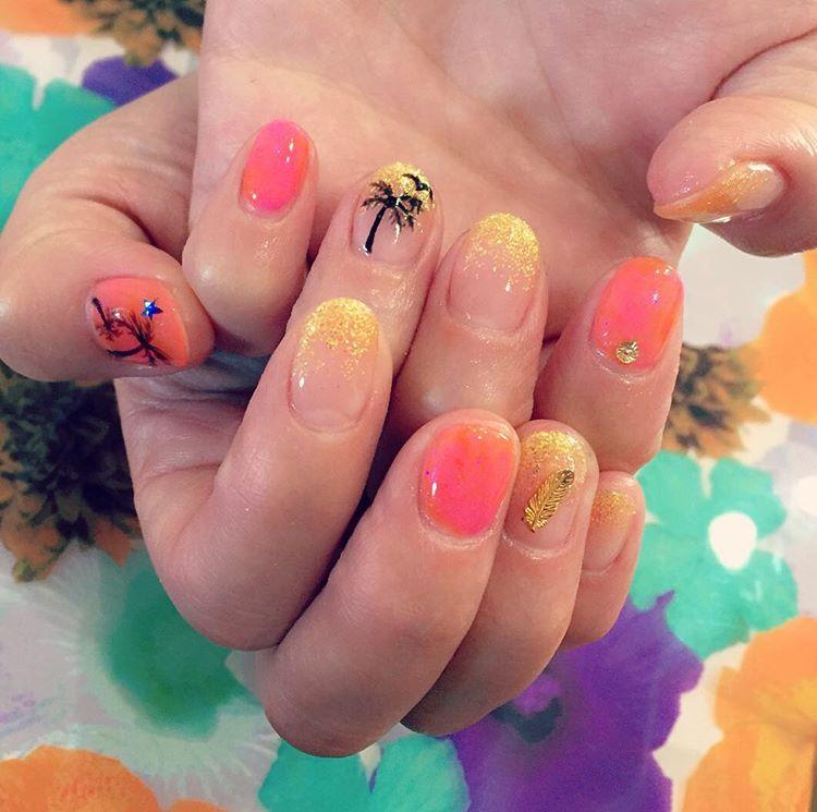 Gel Palm Tree Nail Art Idea