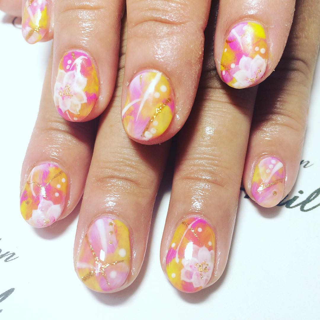 Flower Summer Finger Nail Paint Idea