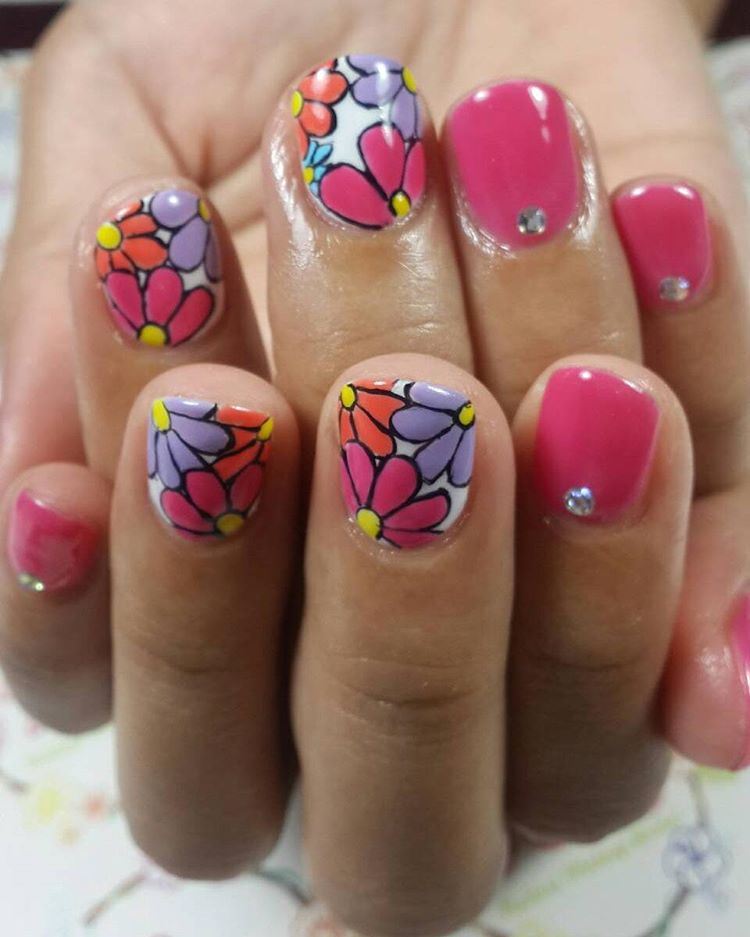 Pretty Nail Art Design For Summer.
