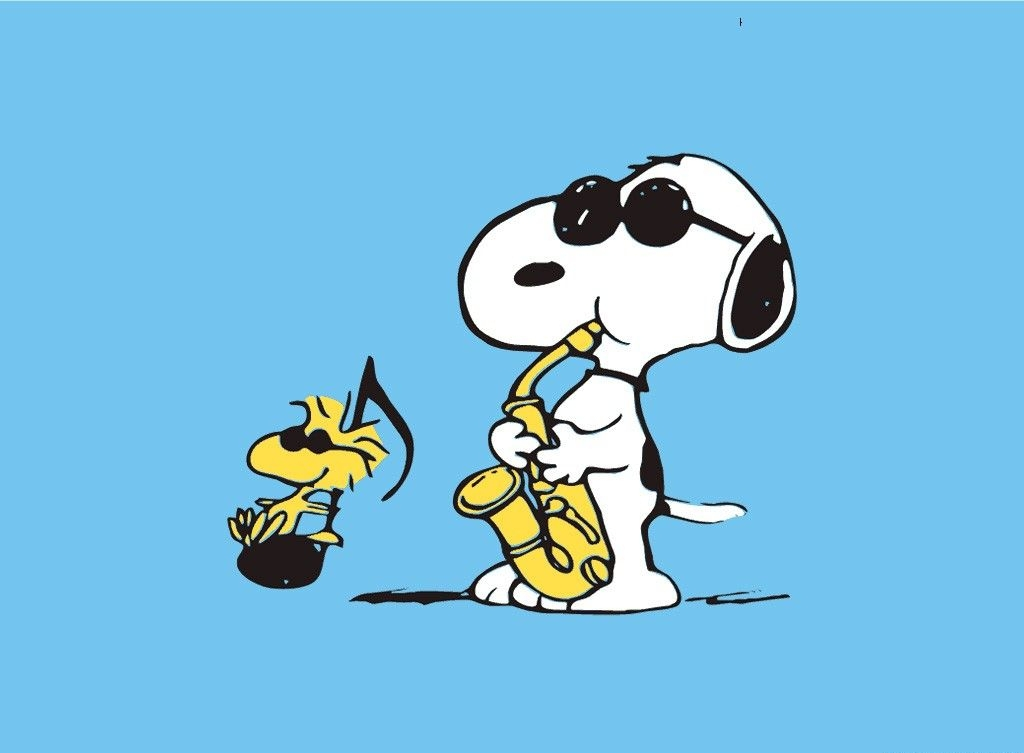 Snoopy Playing Music Image