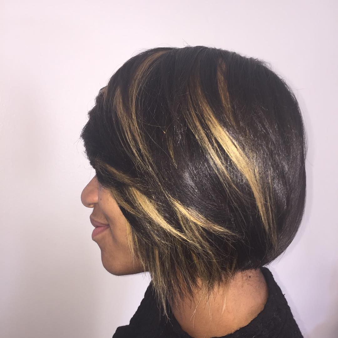 Highlighted Heavy Side Bangs Hairstyle For Black Women