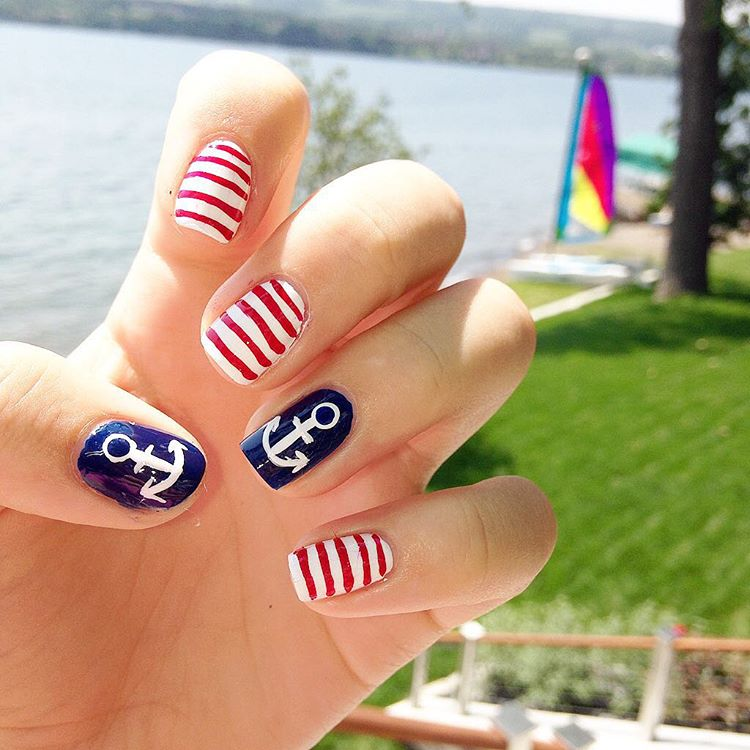 Nautical Attractive Summer Nail Paint Design.