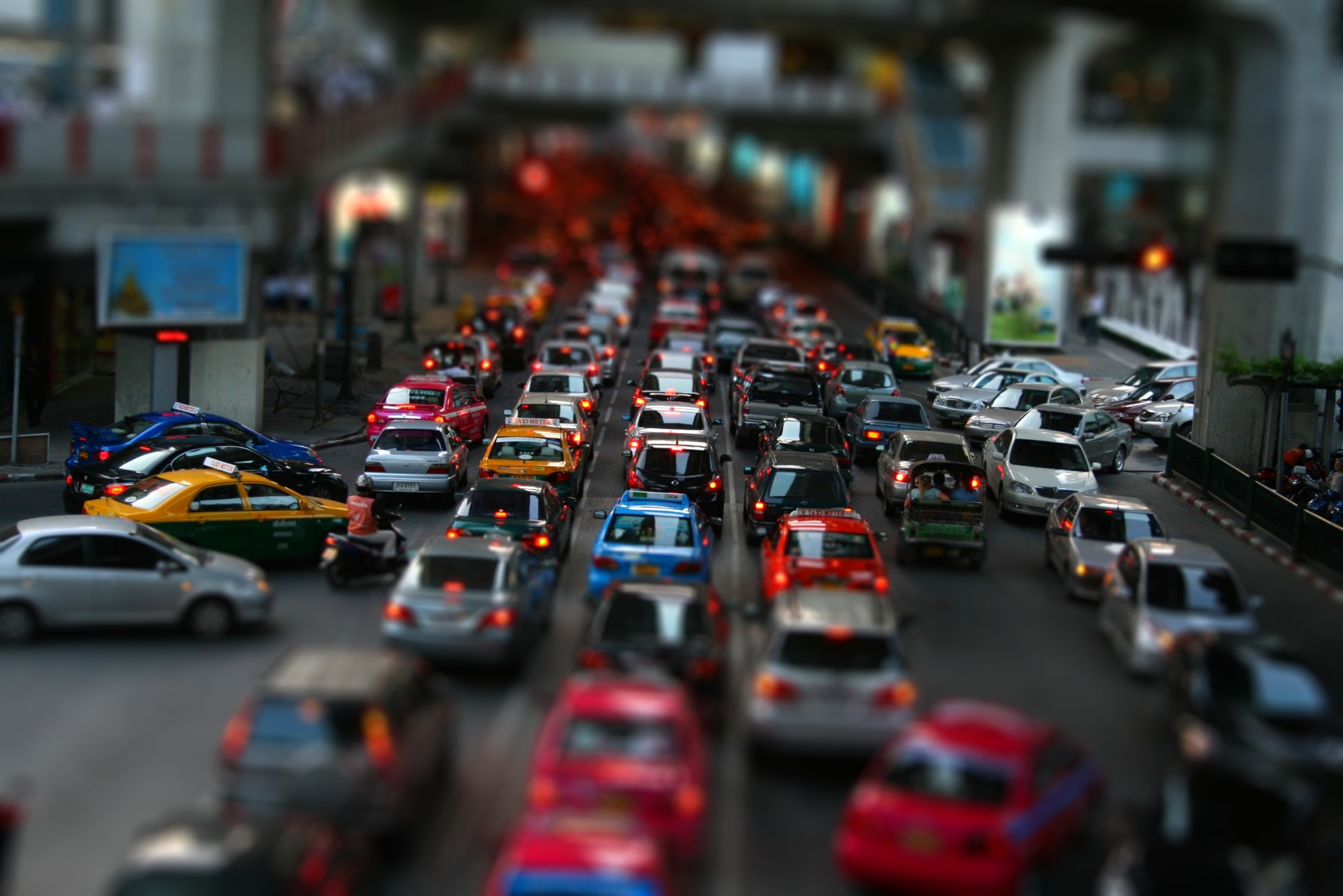 traffic tilt shift wallpaper