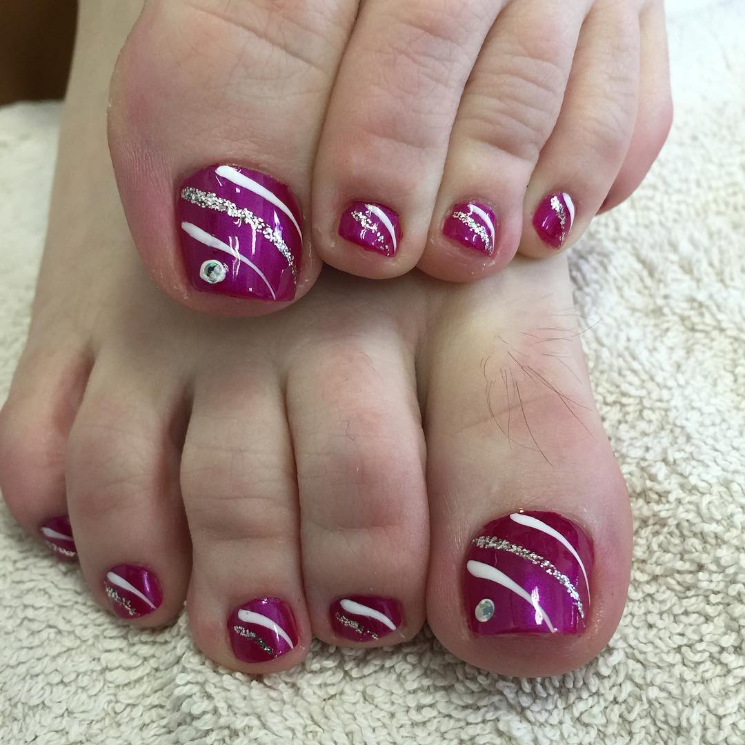 Multi colored toenail polish