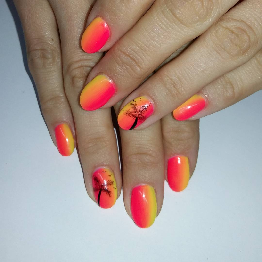 palm tree design nail art idea