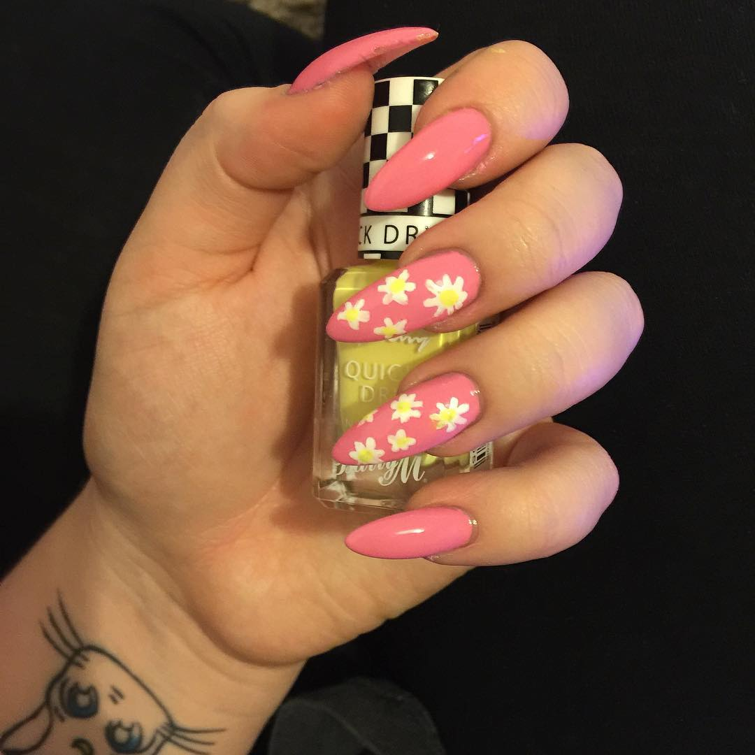 white flower design nail polish