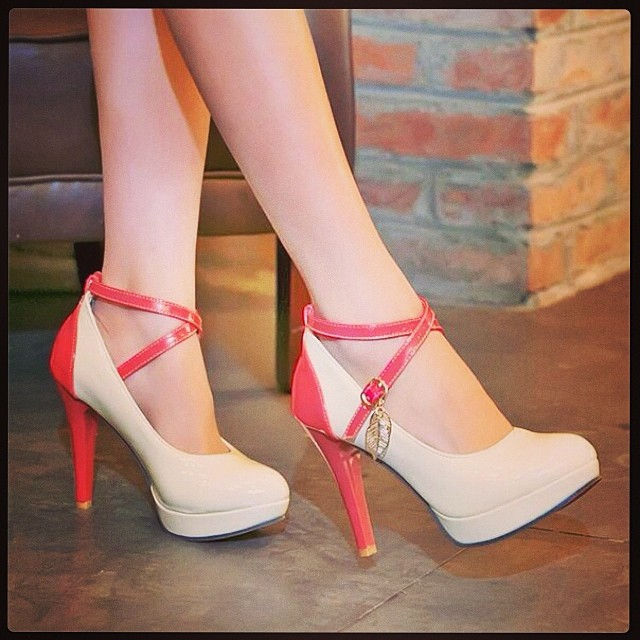 beautiful hig heel shoes