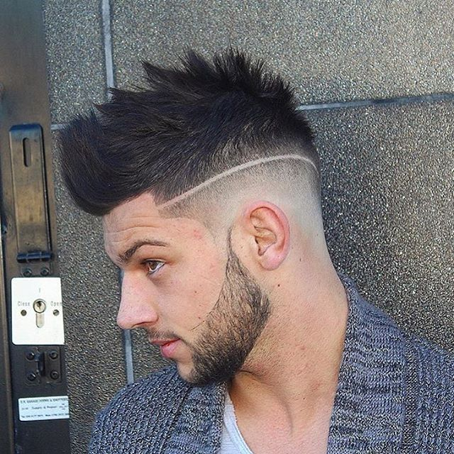 blended textured fohawk hairstyle for men