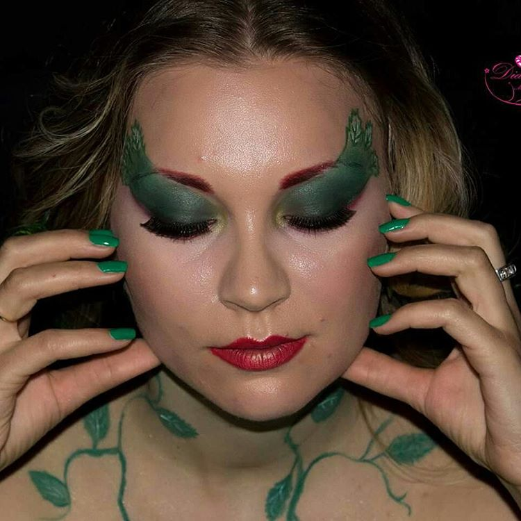 Eye Wigs Poison Ivy Makeup