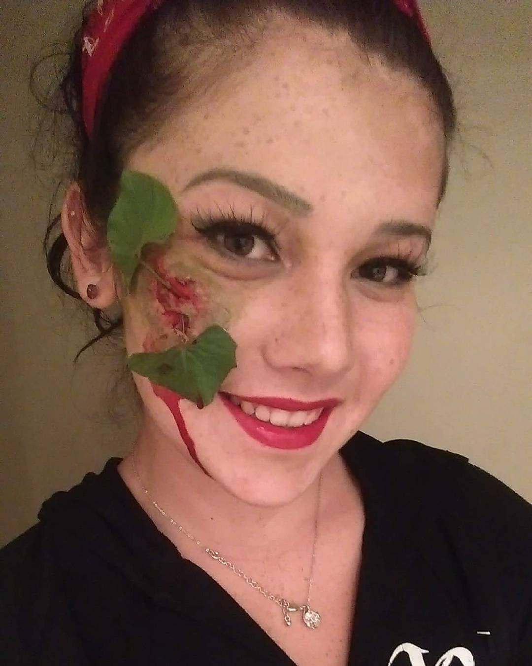 Scare Poison Ivy Makeup