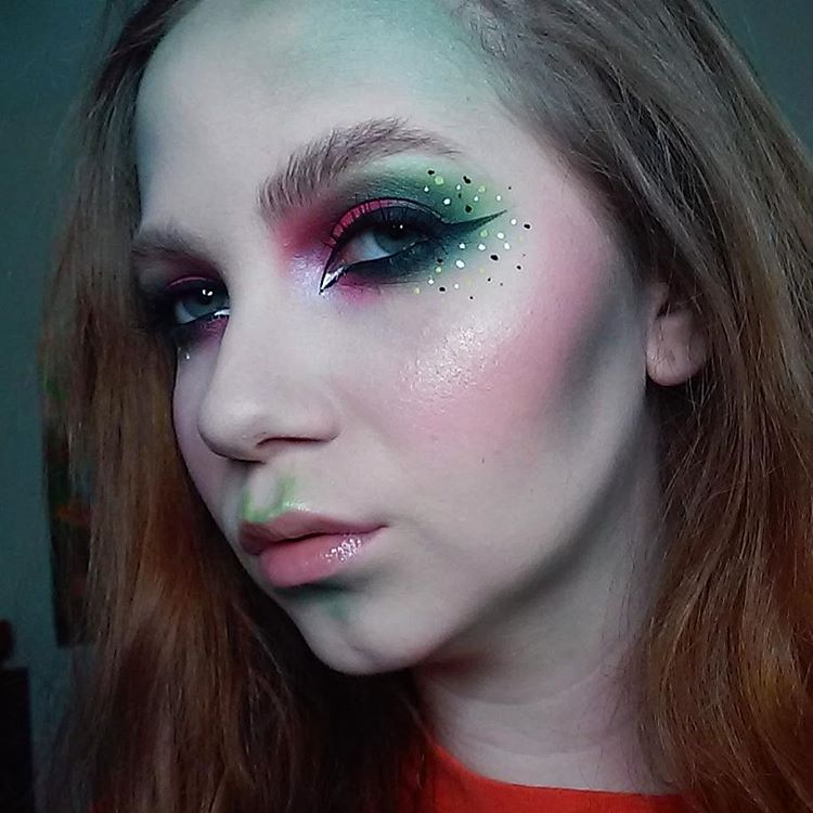 Wonderful Poison Ivy Makeup