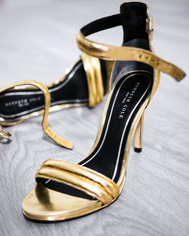 gold high heels with mixing black