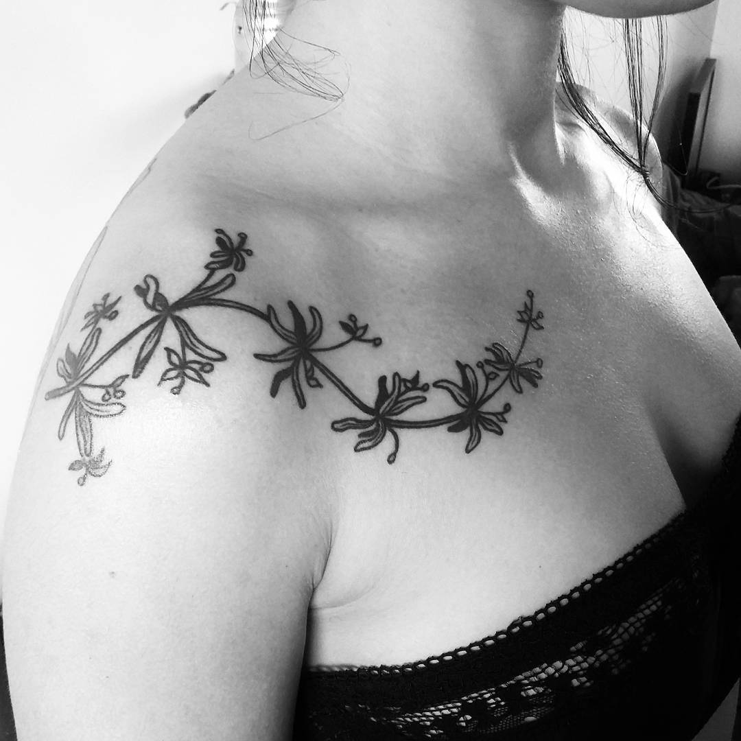 Women Love Elegant Flower Design Tattoo
