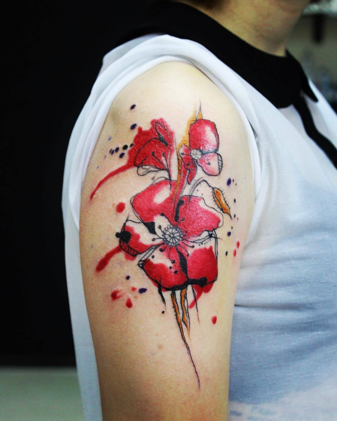 Goregeous Poppy Tattoo for Teenagers (1)