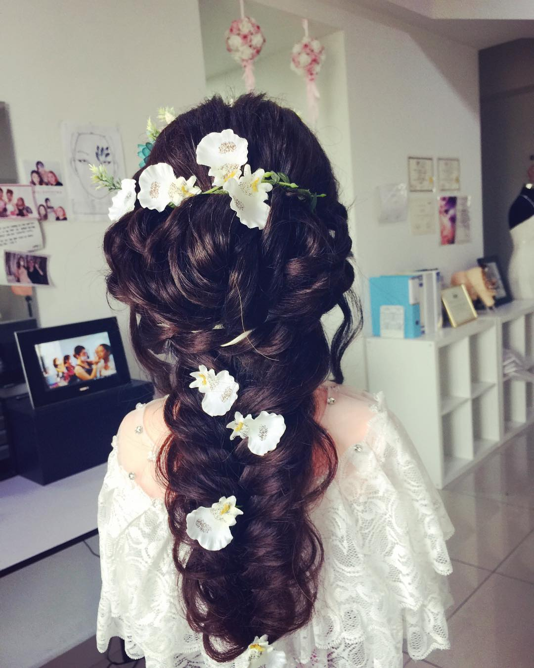 bridal hairstyle with white flowers