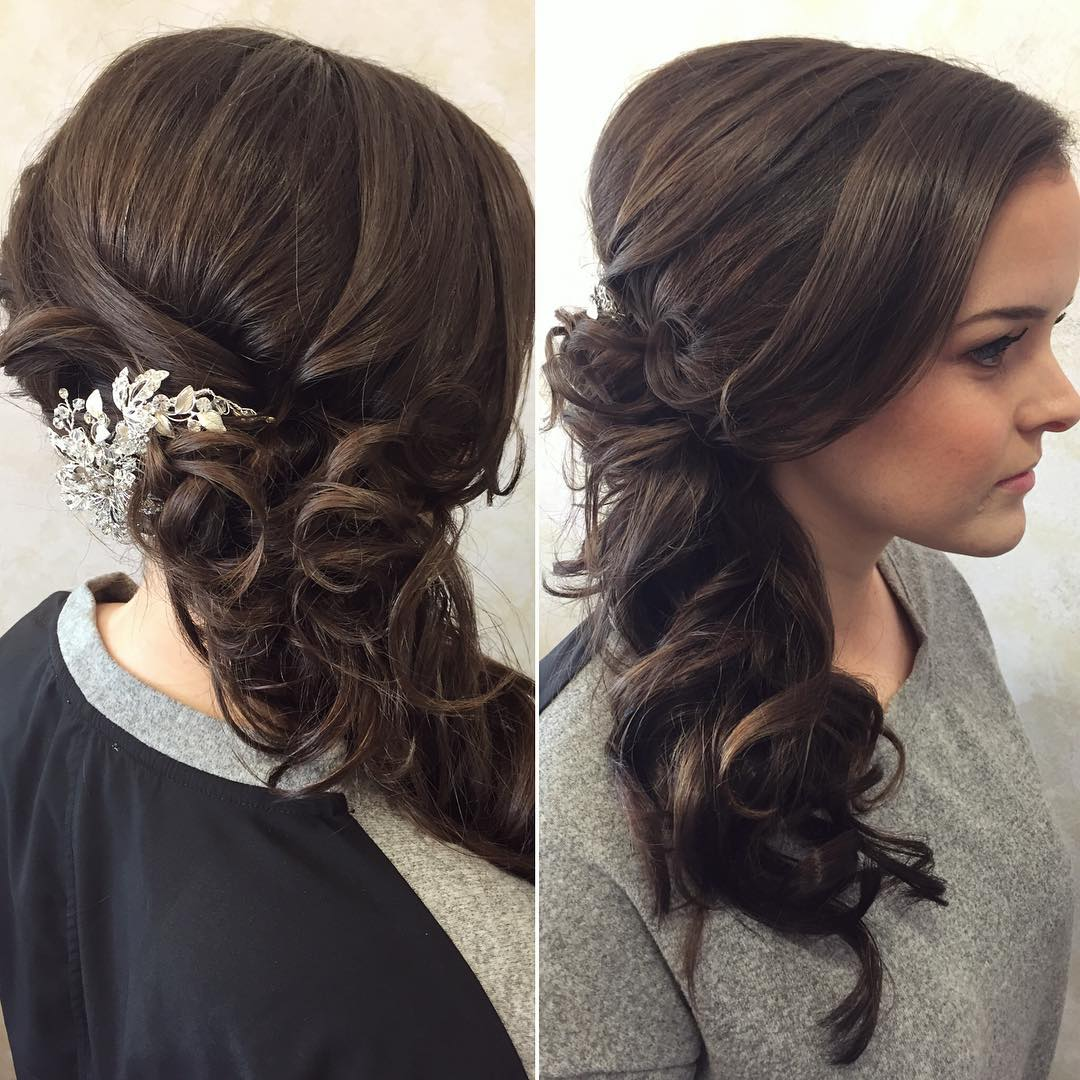 awesome curly hairstyle for wedding