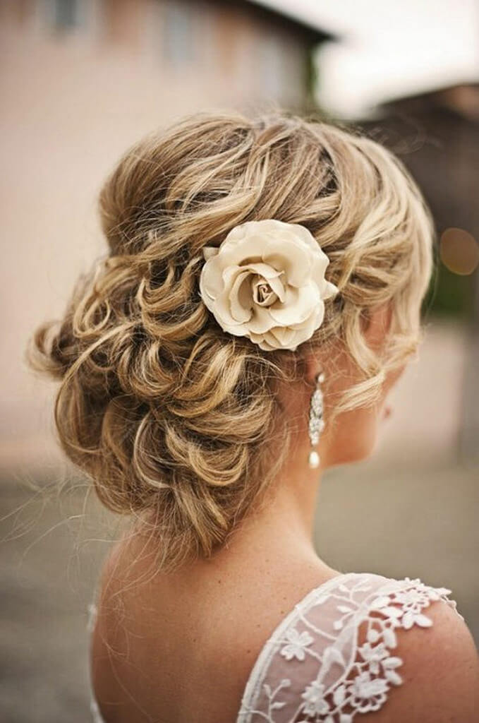 Dazzling Curly Wedding Hairstyle