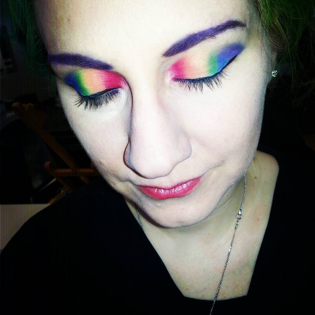 easy rainbow eyeshadow