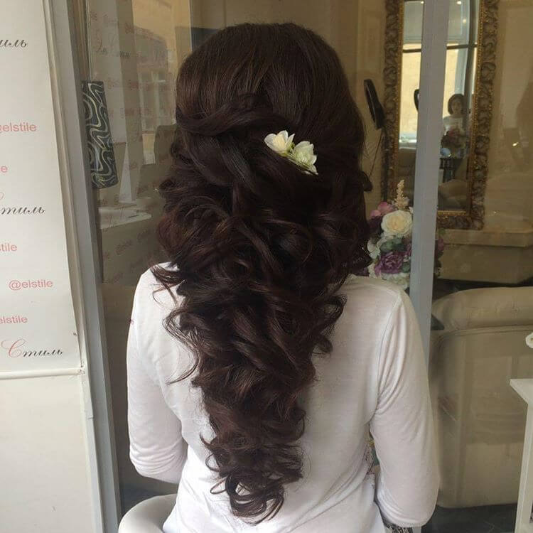 Pretty Bridal Hairstyle