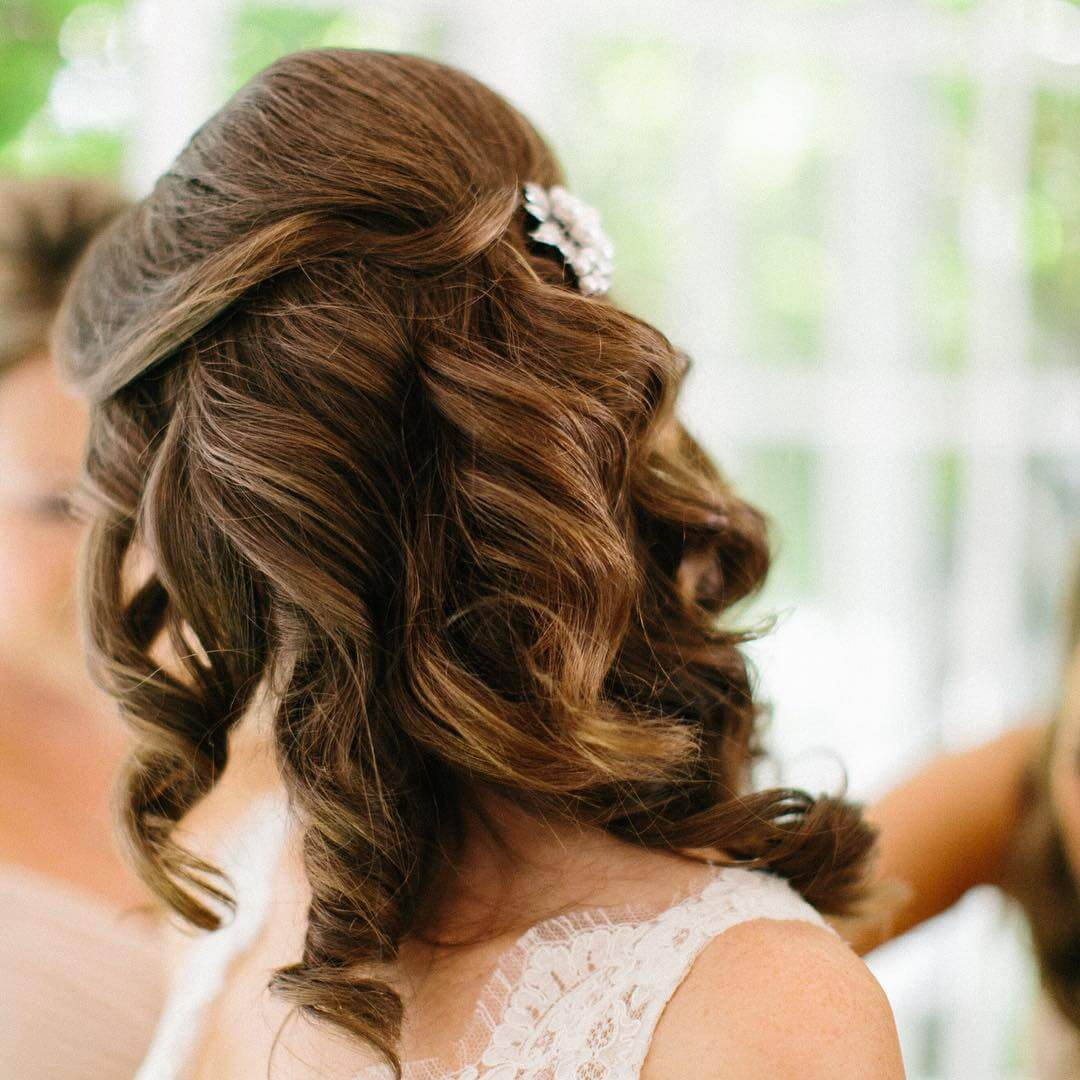Voluminous Curly Wedding Hairstyle