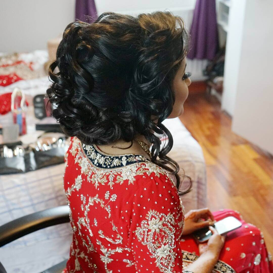 Marvelous Curly Indian Bride Hairstyle