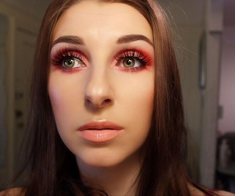 Cute Eyes With Red Makeup Idea