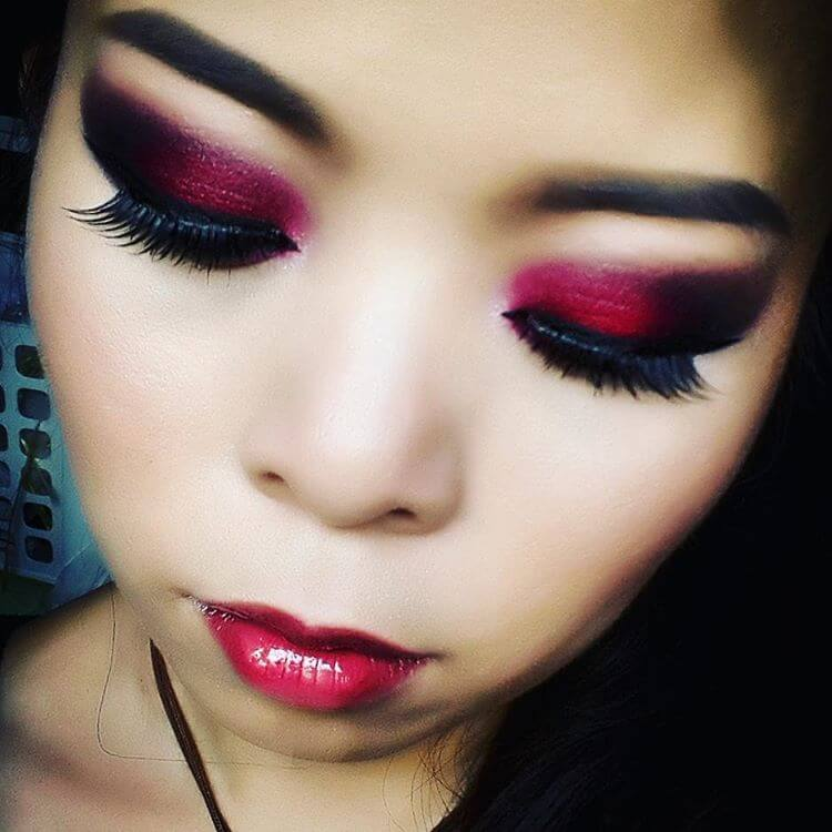 Halloween Red Colored Makeup For Eye