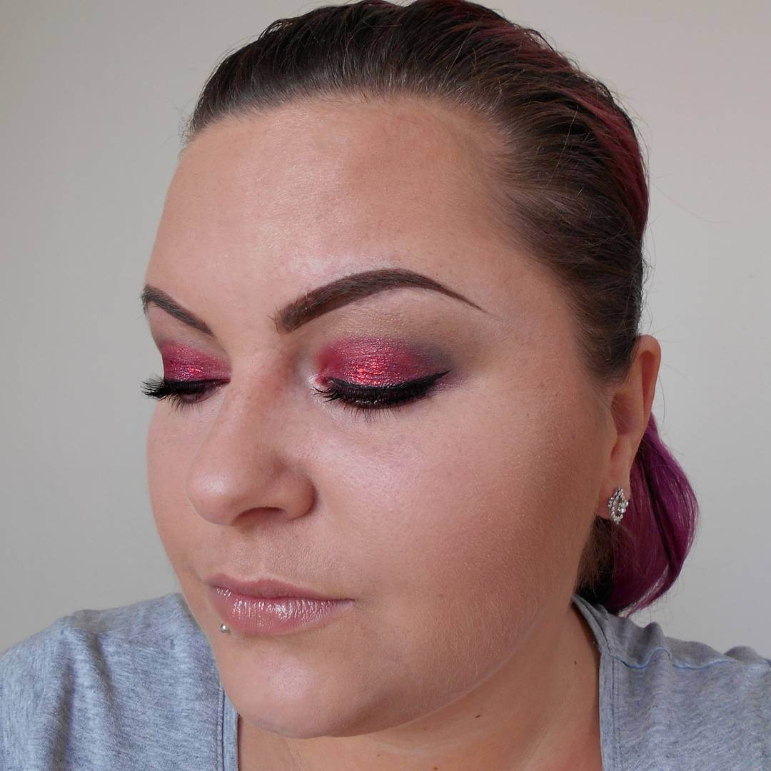 Glitter Red Eye Makeup Design