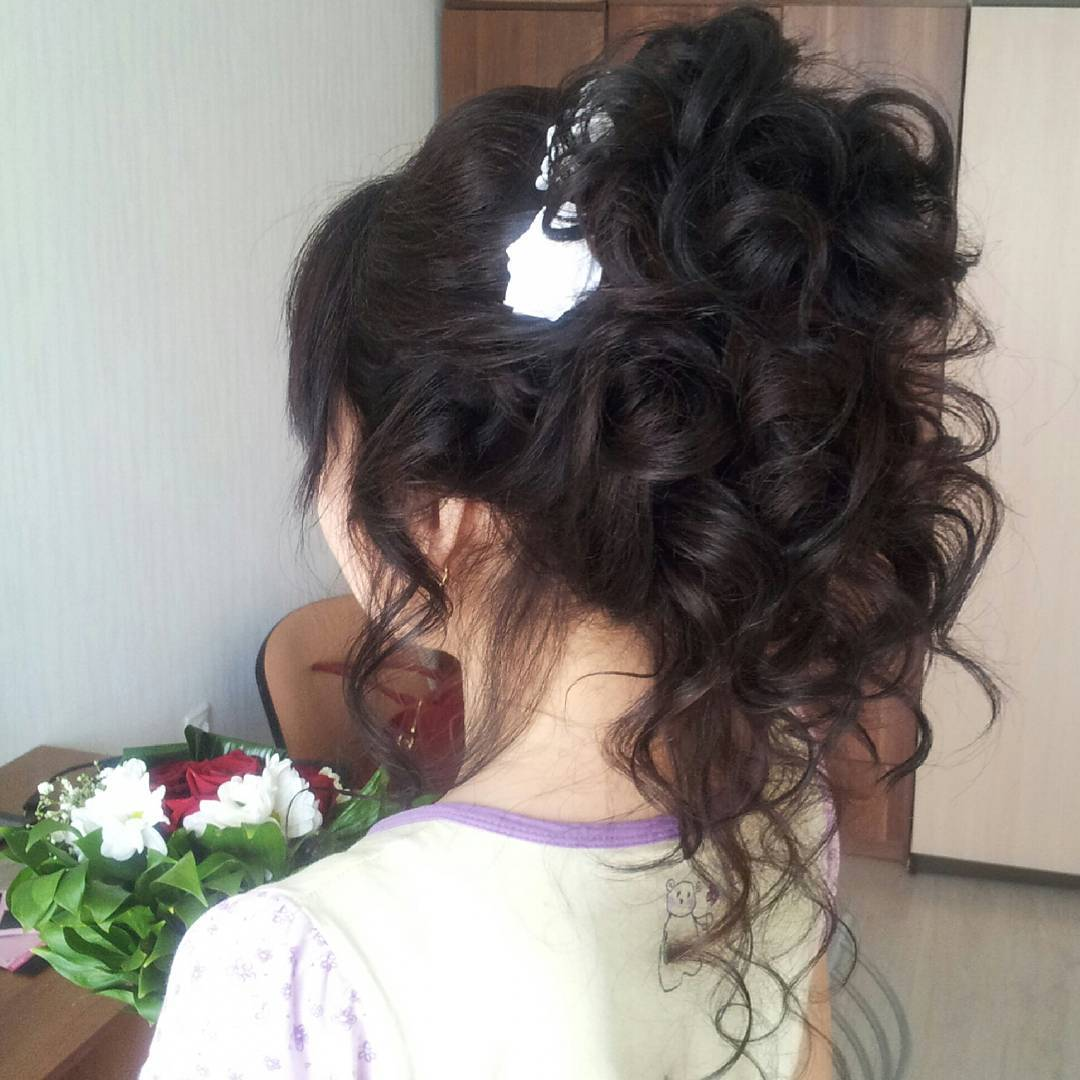 Full Curly Hairstyle