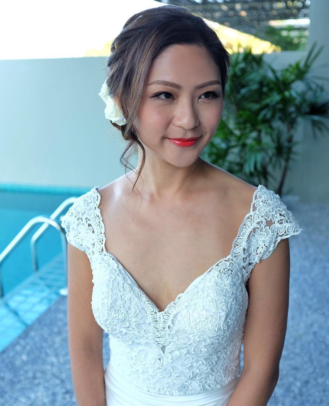 classy bridal hairstyle idea