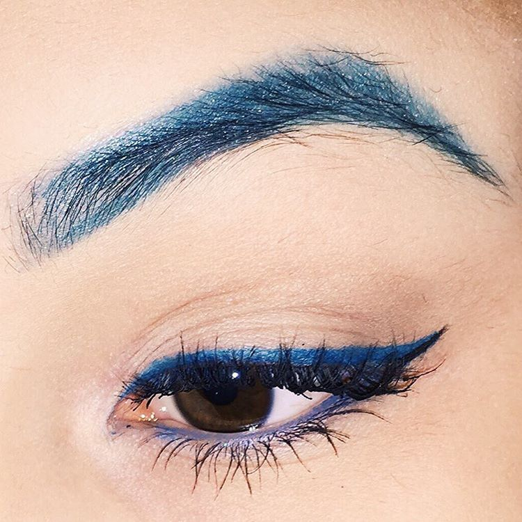 Unique Blue Eye Makeup Design Idea