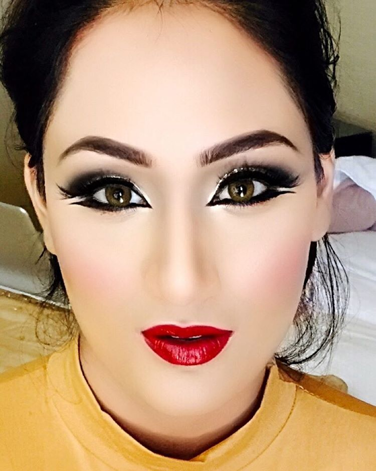 Lovely Makeup For Attractive Eyes