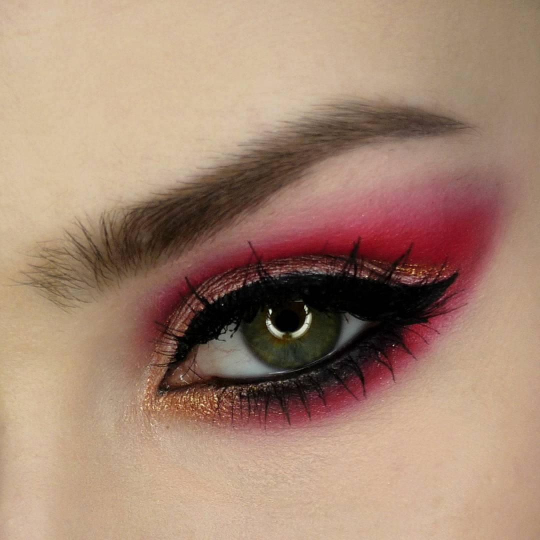Pink and Gold Eye Makeup Looks So Pretty