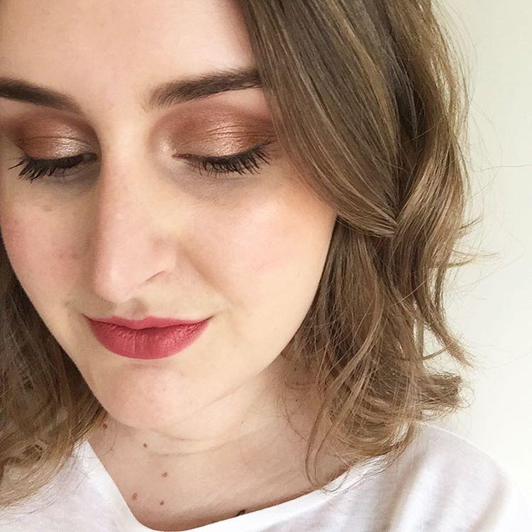 pretty makeup design for women