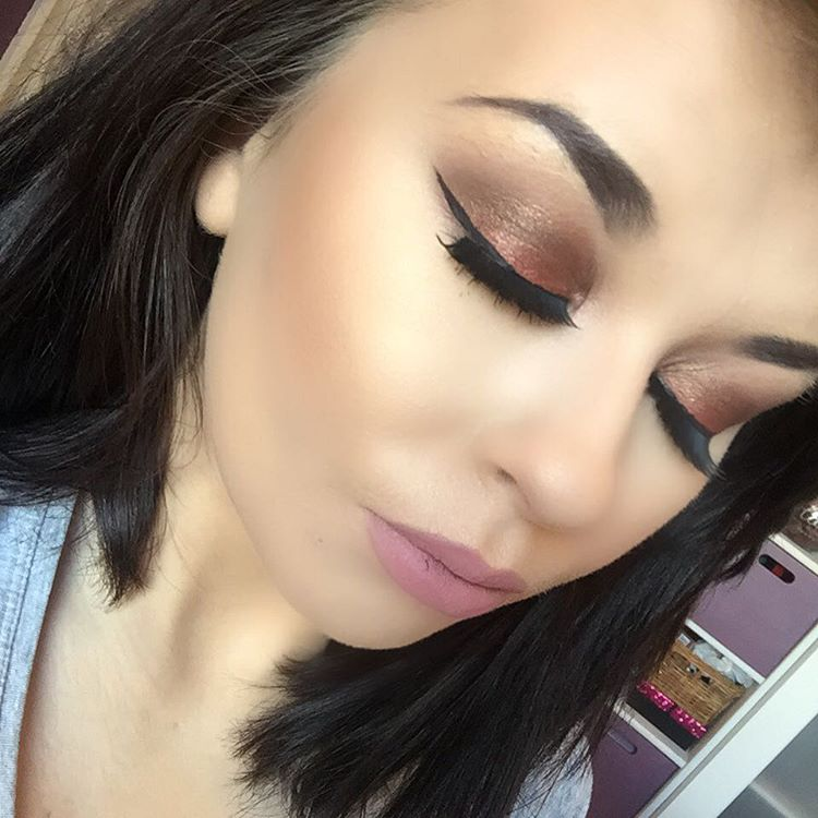modern makeup design for eyes