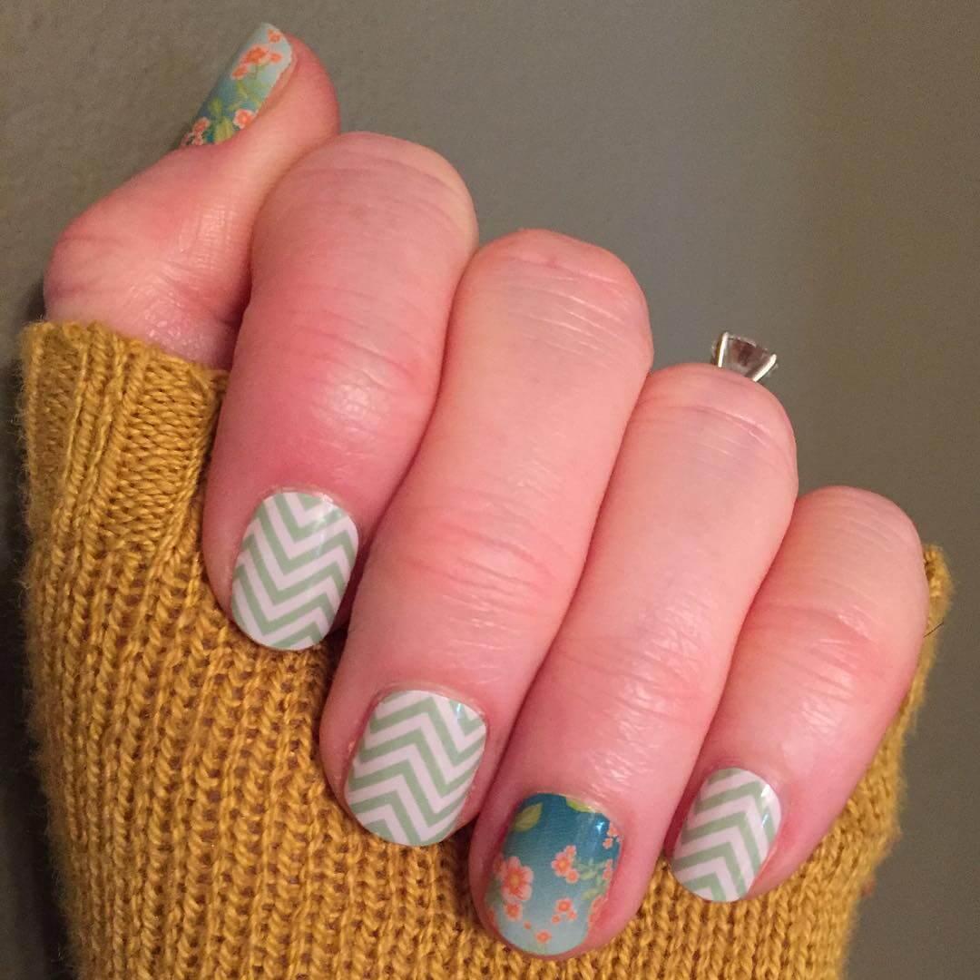 simple diy nail art 1