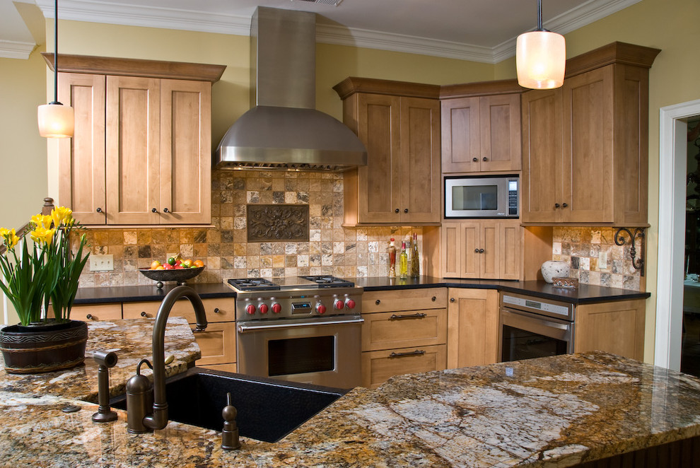 traditional kitchen beautiful wall designs