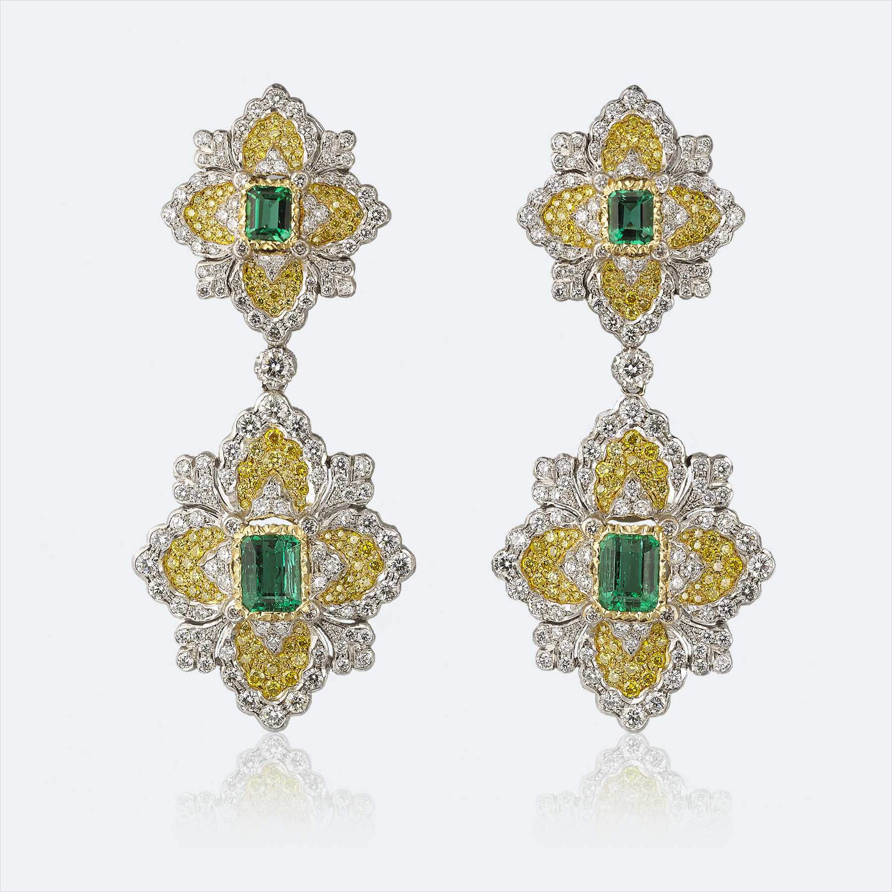 BUCCELLATI - Pendant Earrings in White Gold Set with Diamonds (2)