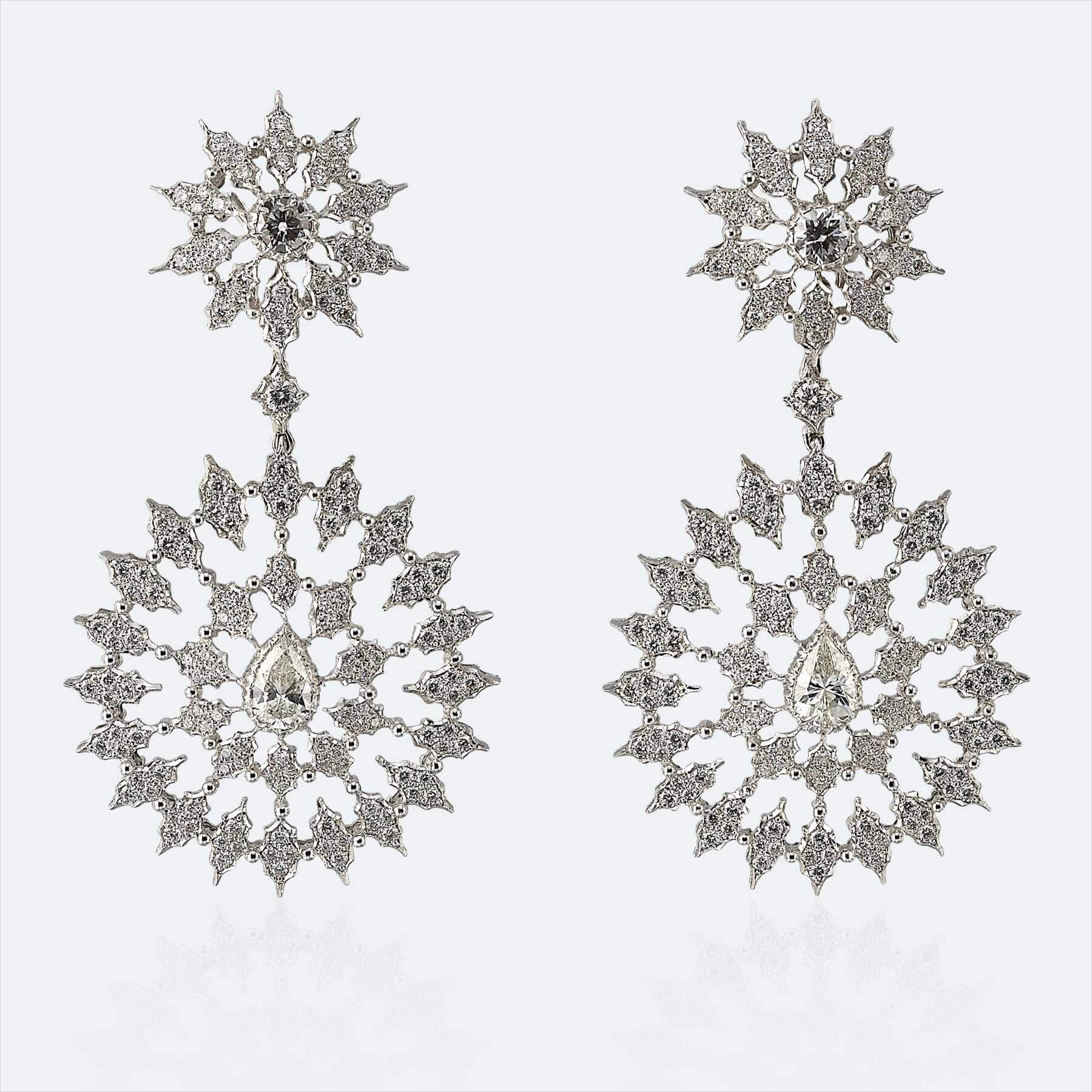 Pendant Earrings in White Gold with Diamonds (1)