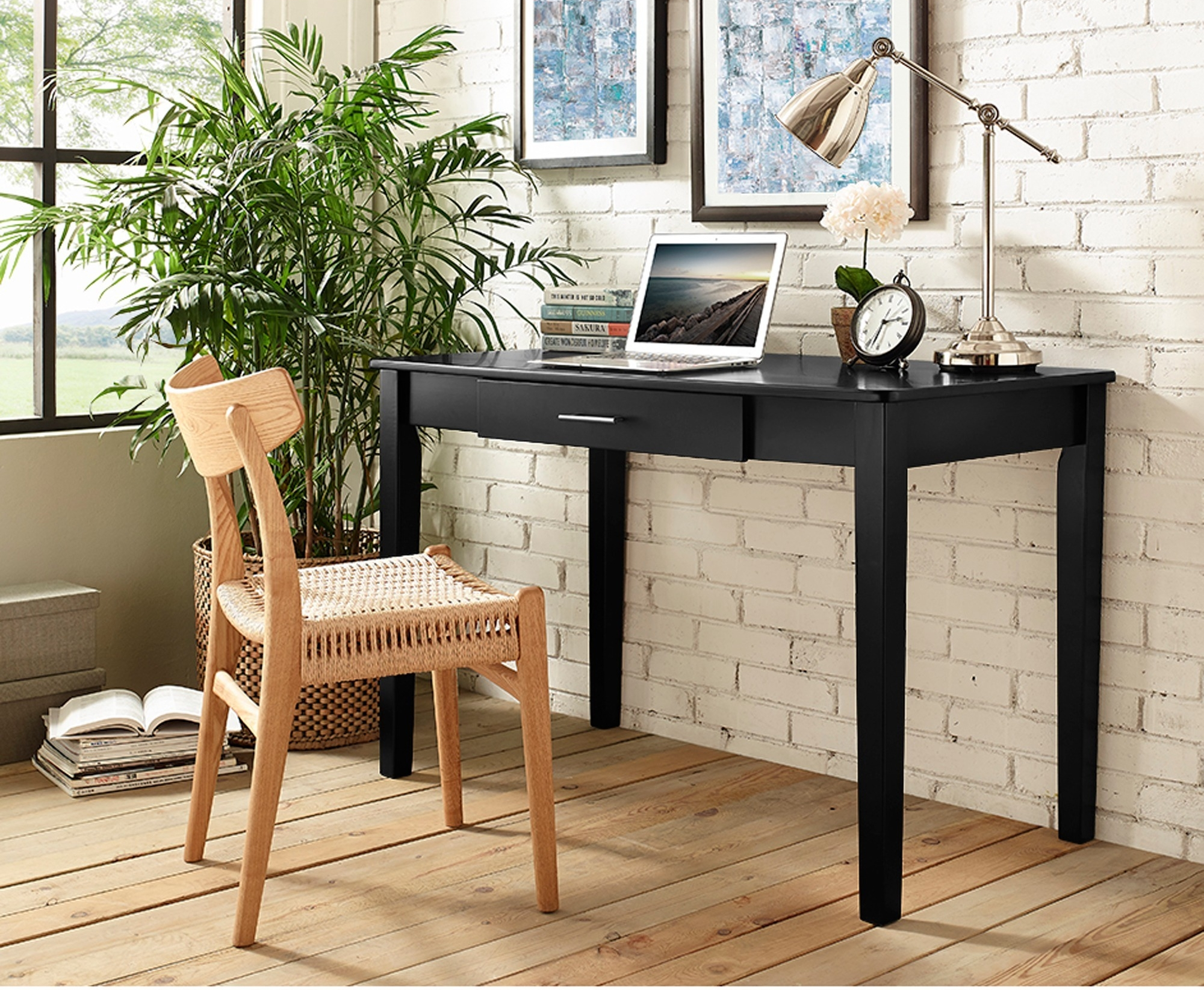 Stylish And Traditional Office Desk Idea